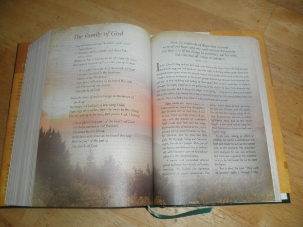 The Gaither Homecoming Bible Review ~ GoodOldDaysFarm.com
